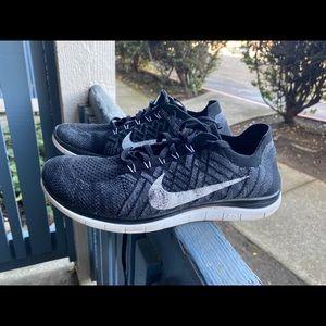 Nike Women's 2015 Flyknit 4.0 OREO Black Sz 8.5 US